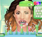 Violetta At The Dentist
